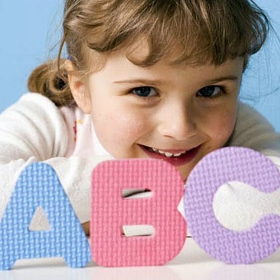 Девочка и буквы