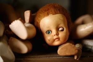 Сломала куклу