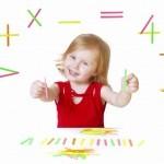 Девочка с математическими знаками
