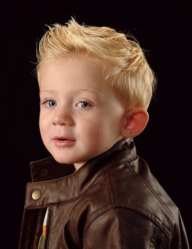 Блондин в коже