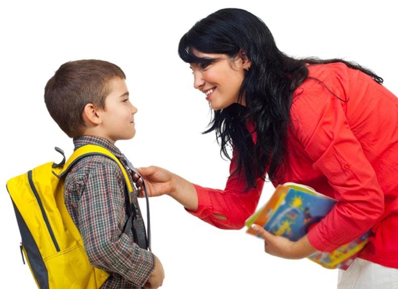 Мама собирает в школу