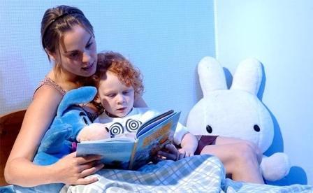 Чтение сказок на ночь